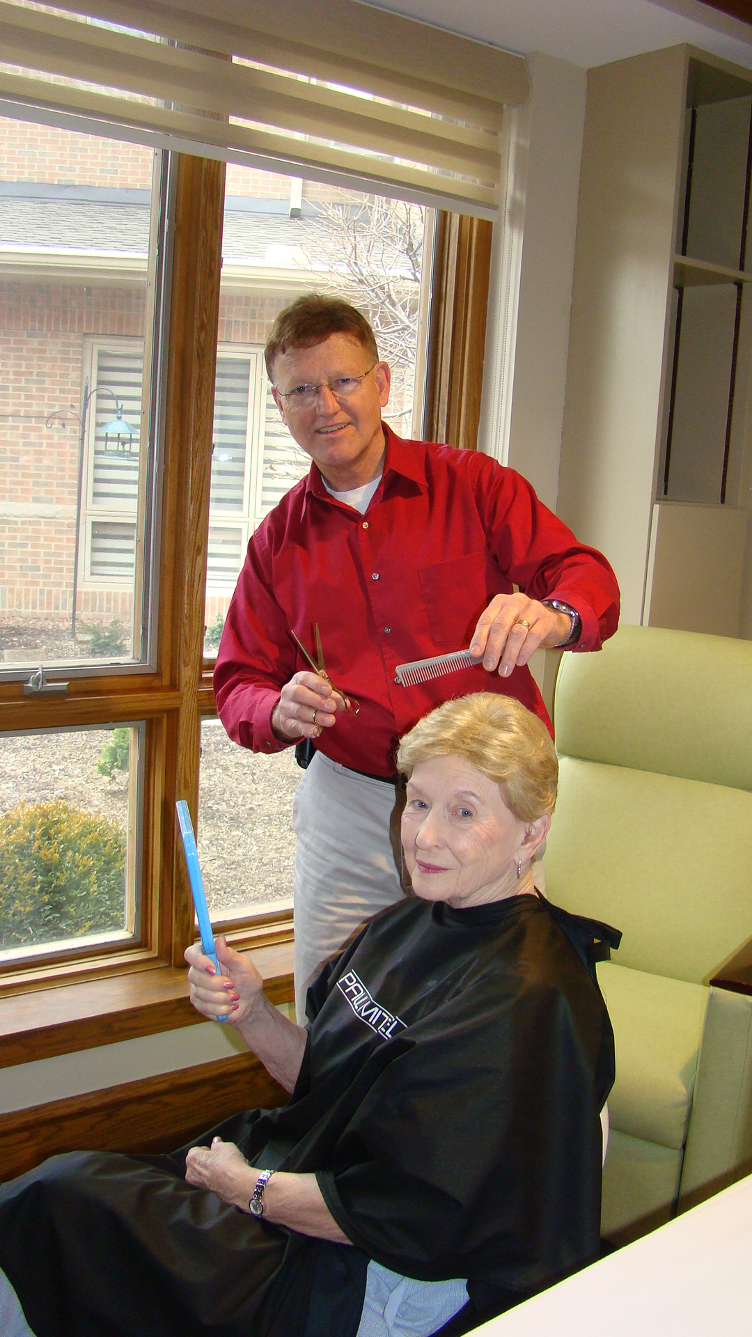 Ohio's Hospice Affiliates Seek Barbers And Stylists To Volunteer