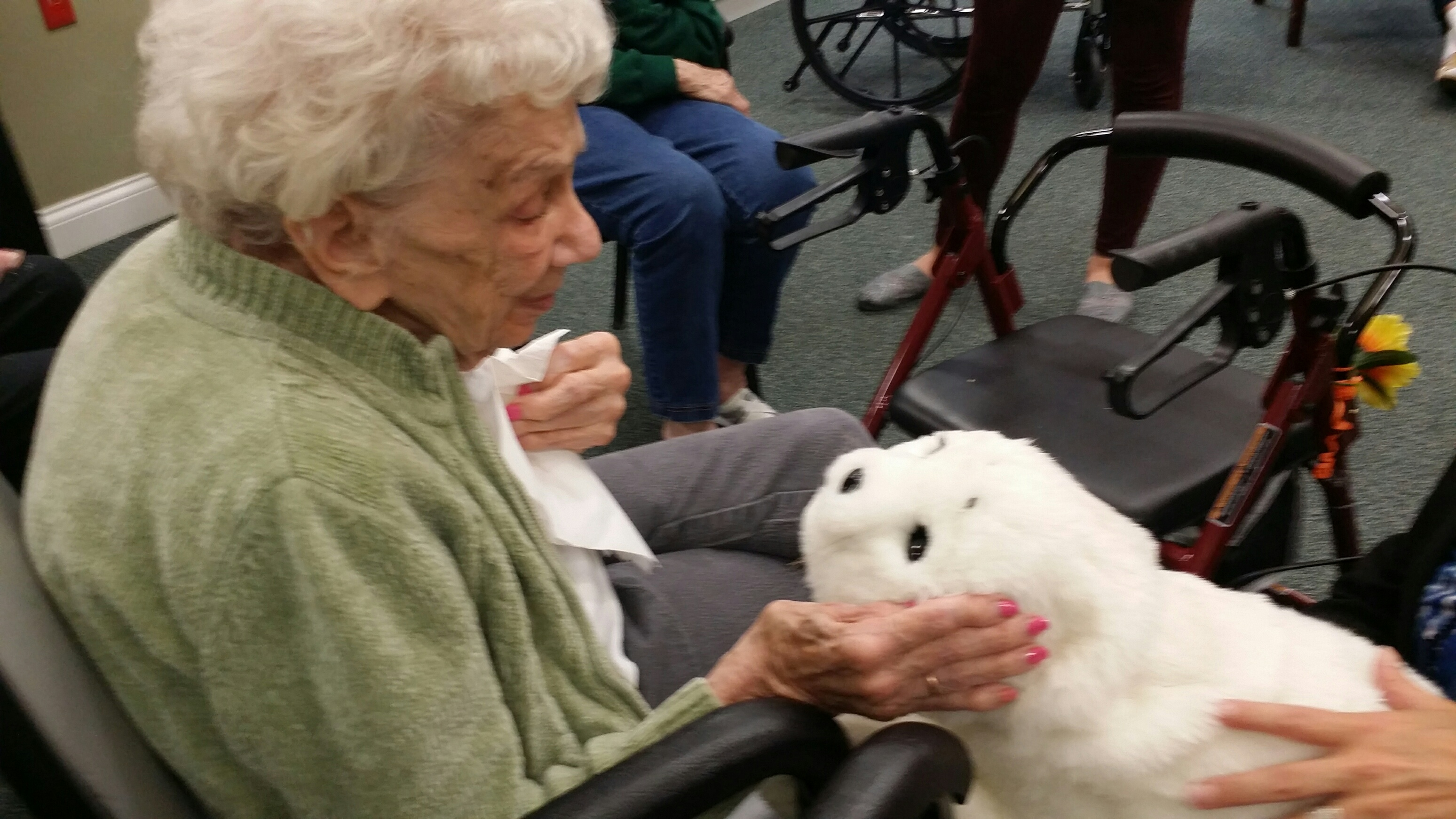 High-Tech Robotic Animal Assisted Therapy Benefits Patients | Ohio's